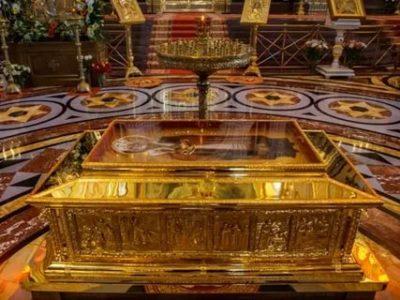 Где находятся мощи святого Николая Чудотворца