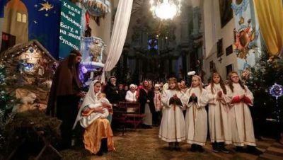Кто празднует Рождество в декабре