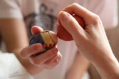 Что значит разбить яйцо на Пасху