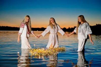Можно ли купаться в бане на Троицу