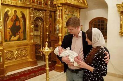 Можно ли крестить ребенка во время Пасхи