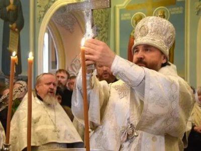 Сколько длится служба в церкви на Крещение