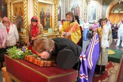 Когда служба в церкви в воскресенье