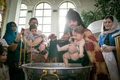 Как крестятся в Армянской Церкви